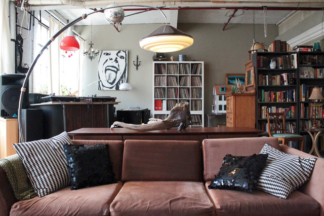 my houzz vintage finds in funky montreal artists 39 loft industriel salon montreal par. Black Bedroom Furniture Sets. Home Design Ideas