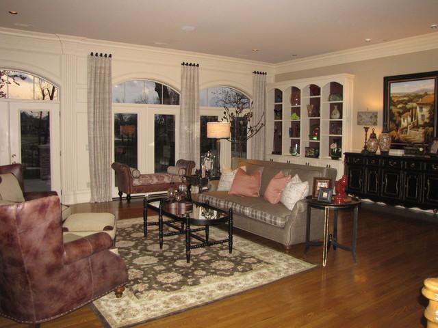N.W. Arkansas traditional-living-room