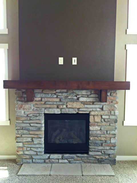 N2298 northmont craftsman style 1 1 2 story new for Craftsman gas fireplace