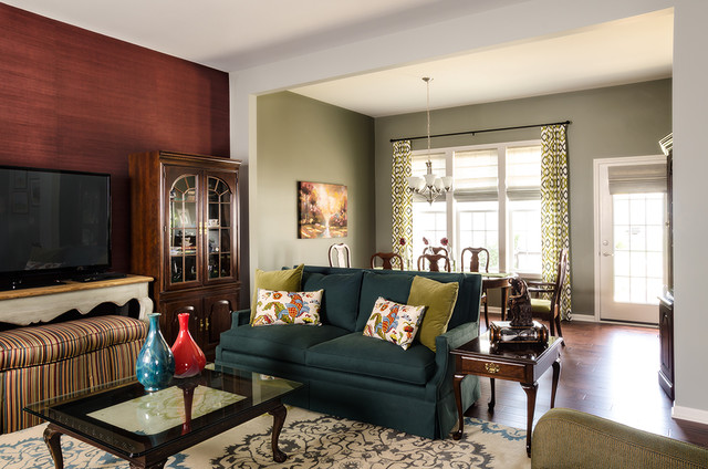 Mixing Traditional And Modern Traditional Living Room Chicago