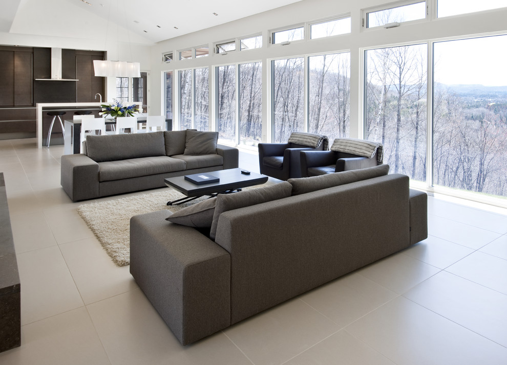 Example of a trendy living room design in Ottawa