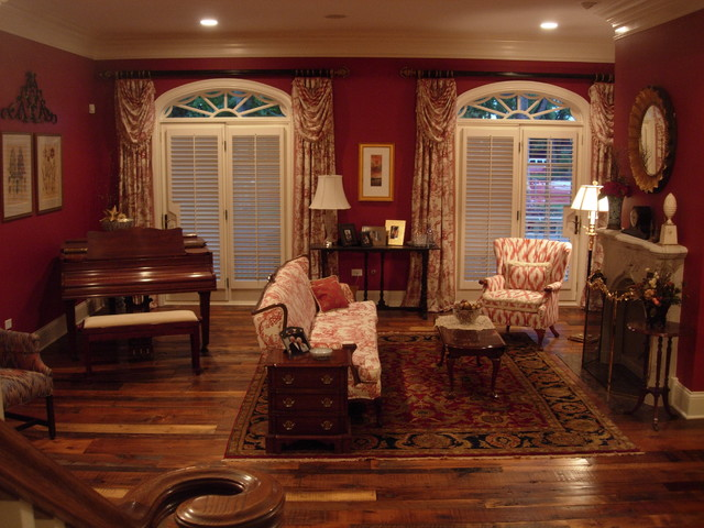 Amazing Living Room   Mid Sized Traditional Formal And Enclosed Brown Floor Living  Room Idea In