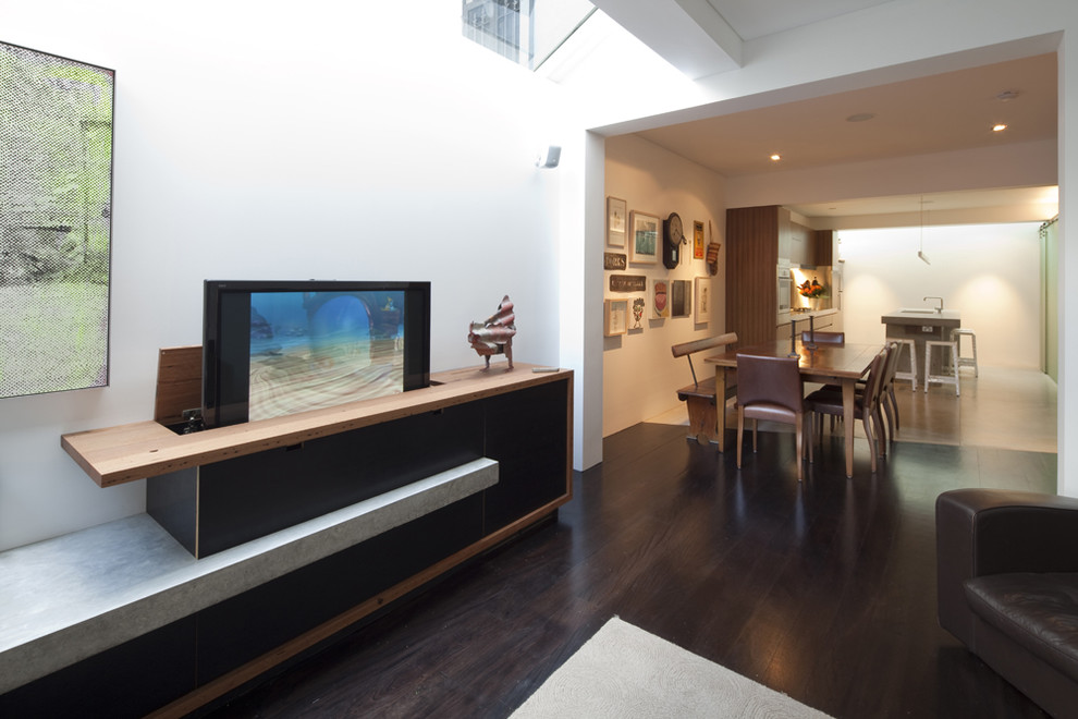 Example of a trendy living room design in Sydney