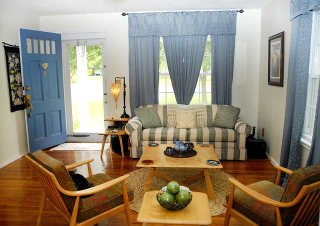 Nicoles traditional-living-room
