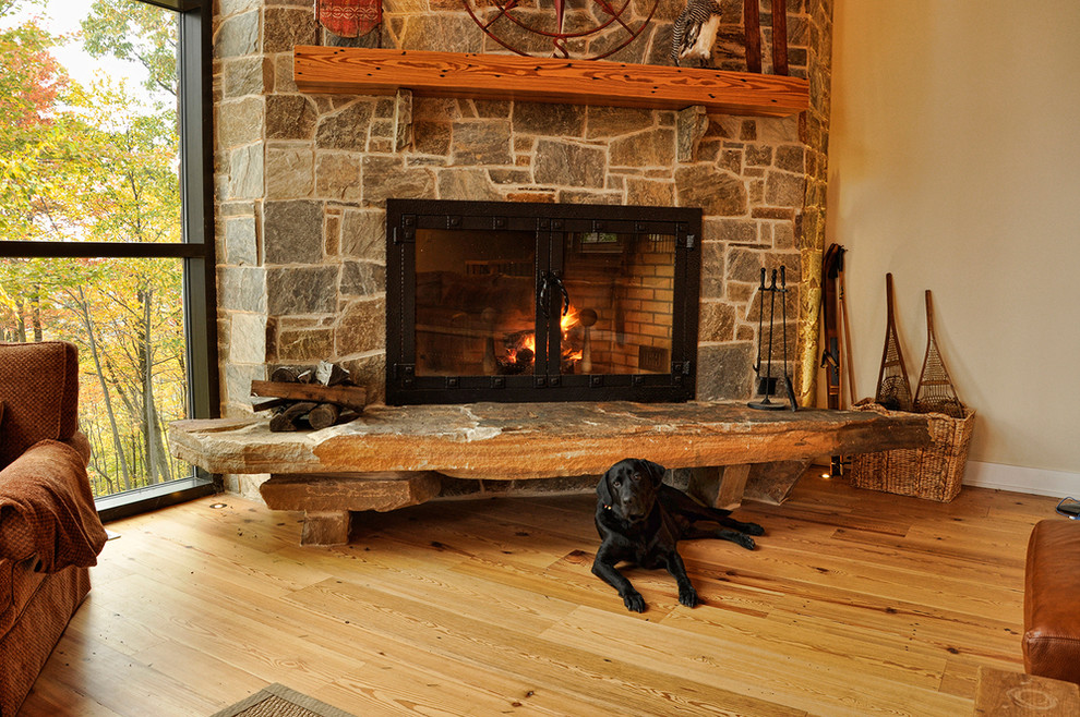 Mountain style living room photo in Baltimore