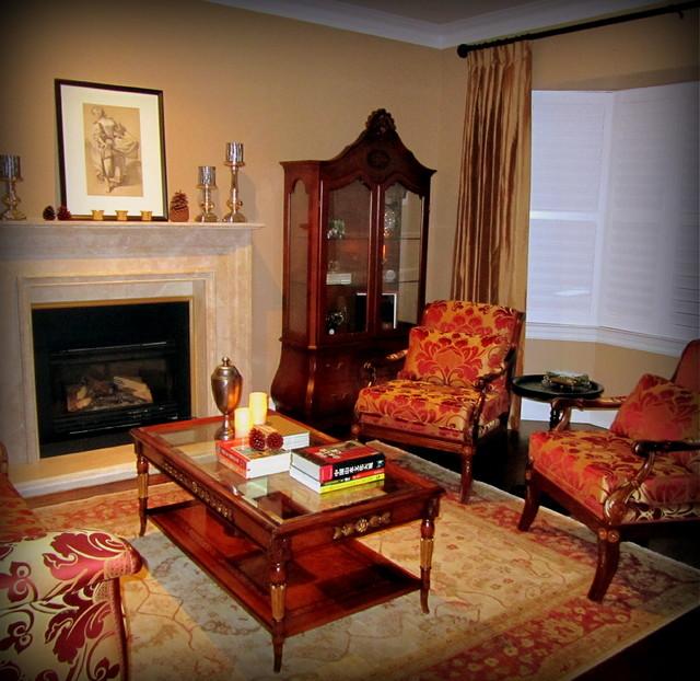 North Toronto traditional-living-room