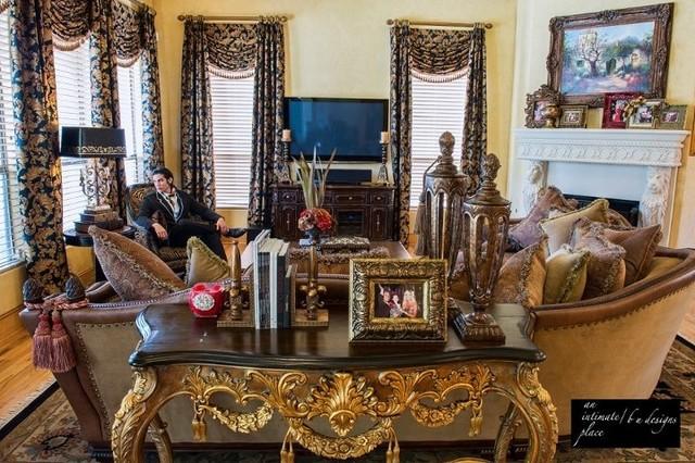 North West Dallas Home mediterranean-living-room