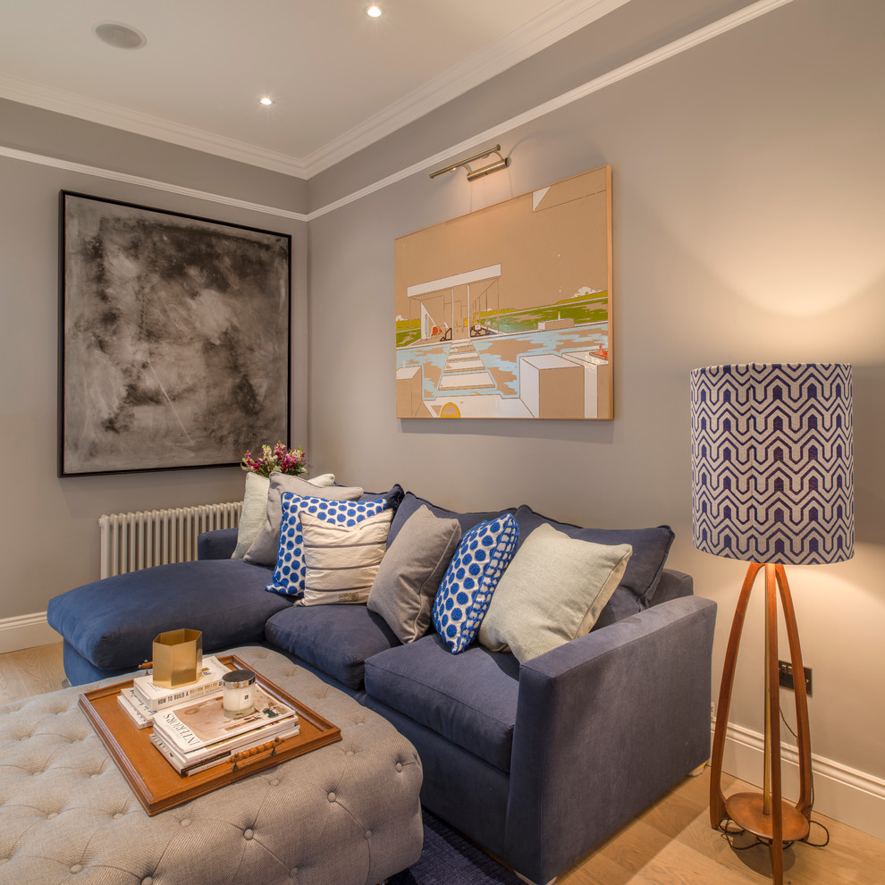 Example of a classic living room design in London