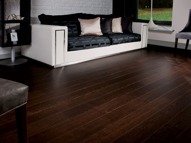 Oak dark chocolate traditional living room toronto for Hardwood flooring inc