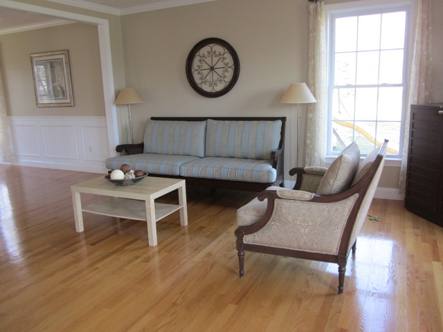 Occupied Staging/Westford traditional-living-room