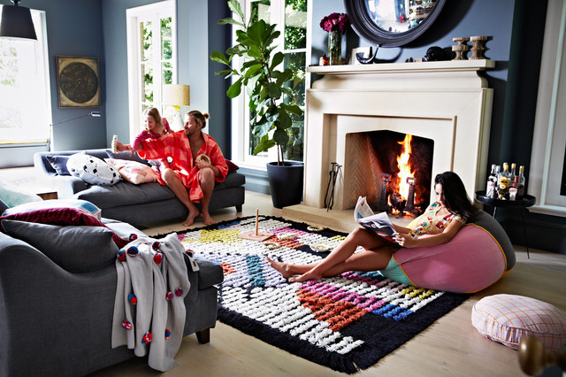 On The Dot Black Rug Contemporary Living Room