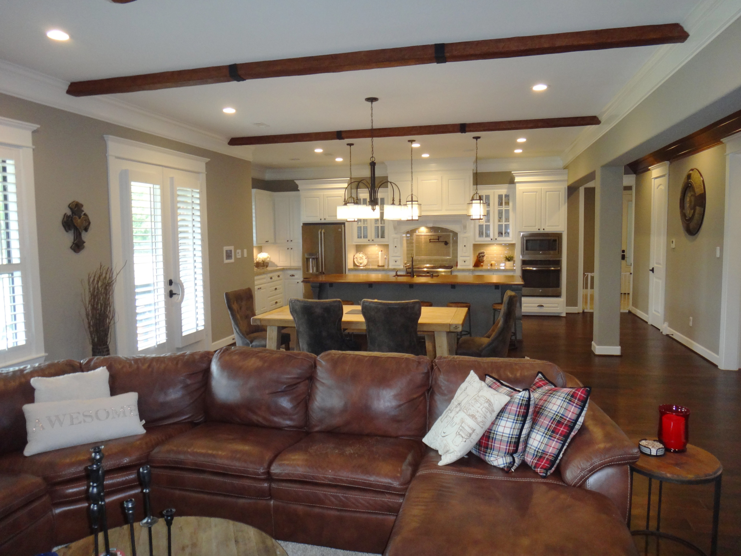 Open Concept Home with Traditional Style