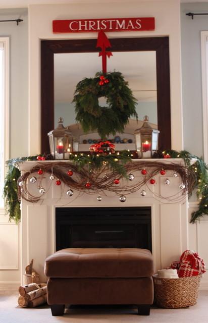 Our Living Room Mantel - Christmas 2010... traditional-living-room