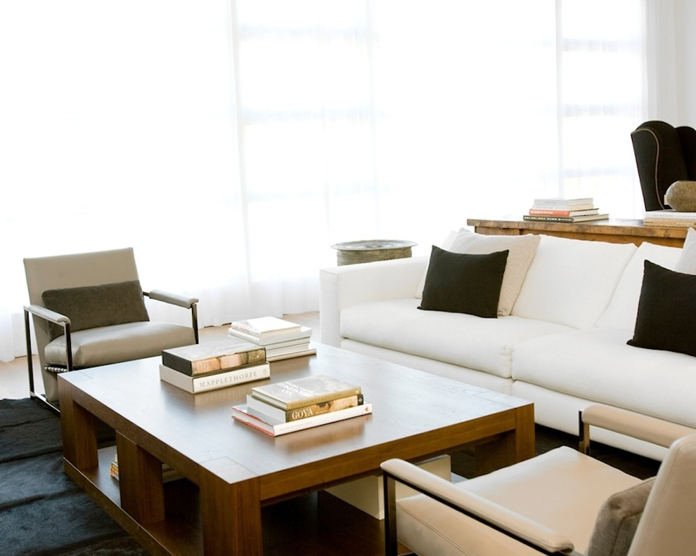 Example of a mid-sized minimalist living room design in San Francisco