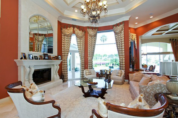 Palm Beach Gardens traditional-living-room