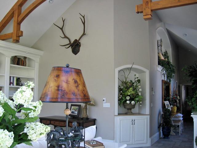Parents retreat traditional-living-room