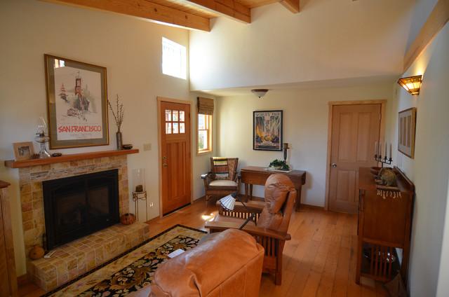 Paso Robles, CA: Casita craftsman-living-room