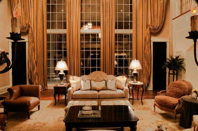 pickens estate traditional-living-room