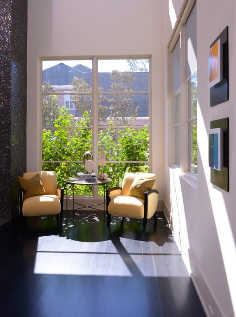 Pilegge Residence contemporary-living-room