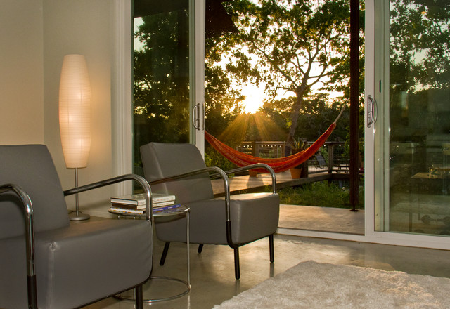 Minimalist living room photo in Austin