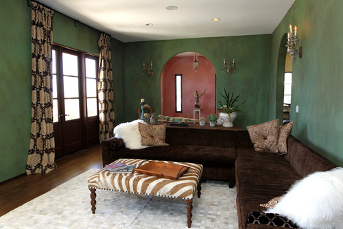 Weekend design old world style in eclectic playa del rey for Living room 8 place jean rey