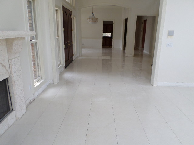Polished Porcelain 24x24 Tile With A 18 Grout Line