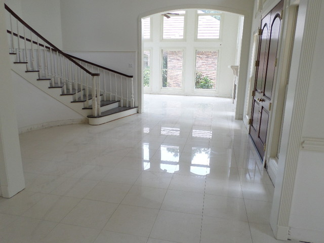 Polished Porcelain 24x24 Tile With A 18 Grout Line Modern living