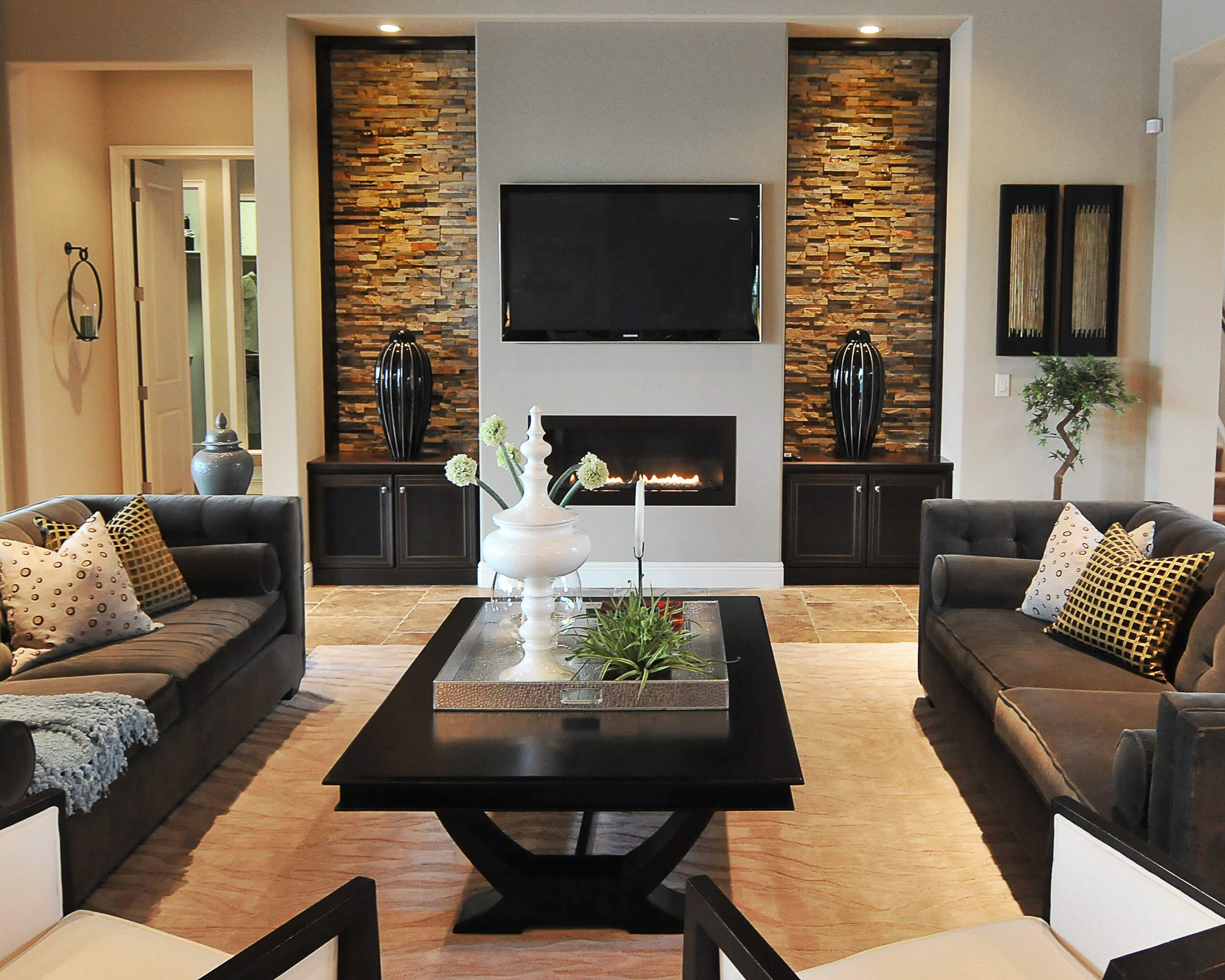 75 Beautiful Living Room With A Wall Mounted Tv Pictures Ideas April 2021 Houzz
