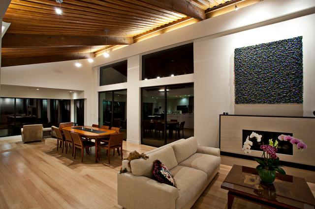 Portola Valley Modern modern-living-room