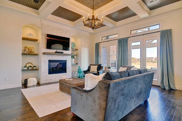 Powell residence granbury tx for Living room 528 powell street