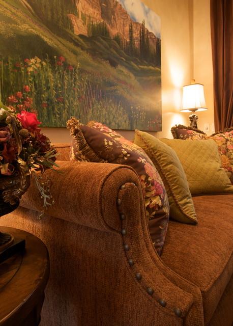 Rancho Mirage Villa traditional-living-room