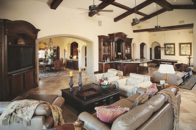 Rancho photos traditional-living-room