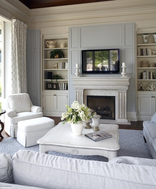 Benjamin Moore Colors For Your Living Room Decor: Regal Reflection