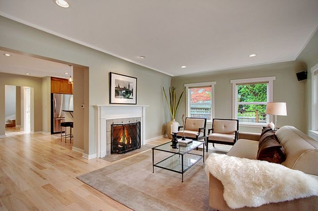Example Of An Arts And Crafts Living Room Design In Seattle