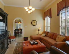 Residence in Pontchatoula, Louisiana traditional-living-room