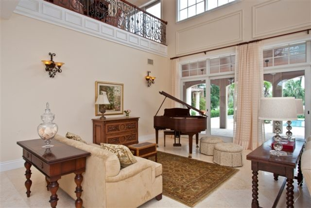 Residential projects at Vero Beach, Florida traditional-living-room