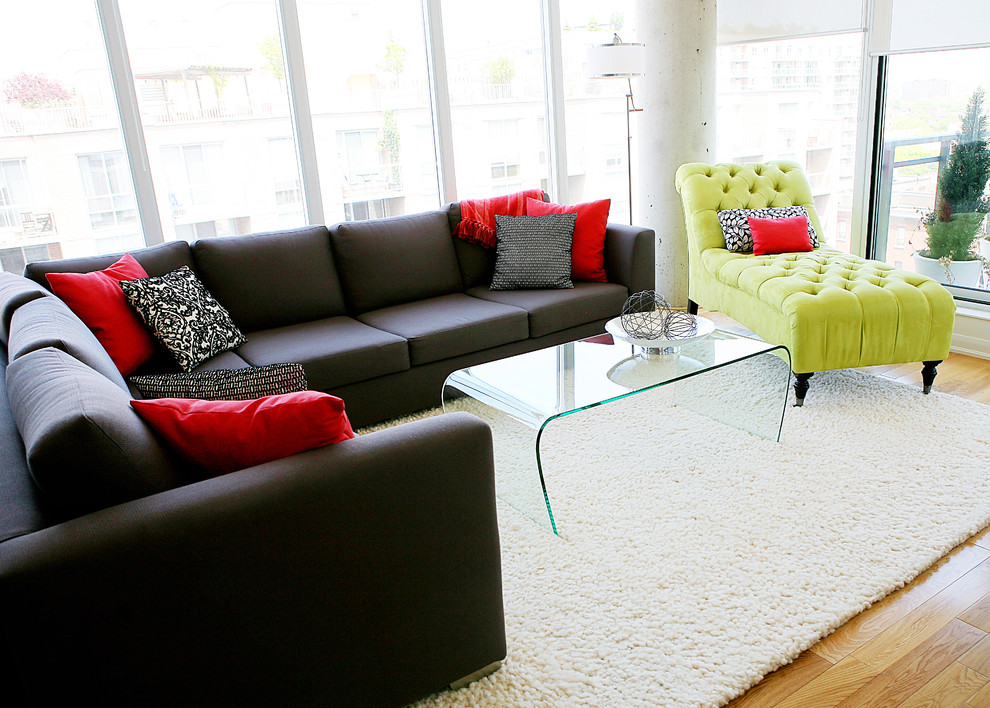 Example of a trendy living room design in Toronto with white walls