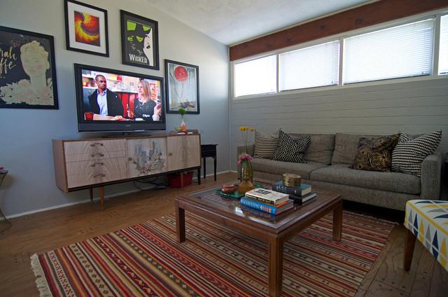 Richardson, TX: Morgan and Monica Campbell midcentury-living-room