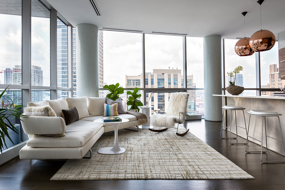 Small trendy living room photo in Chicago
