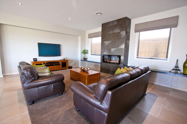 Riverslea Boulevard, Traralgon traditional-living-room