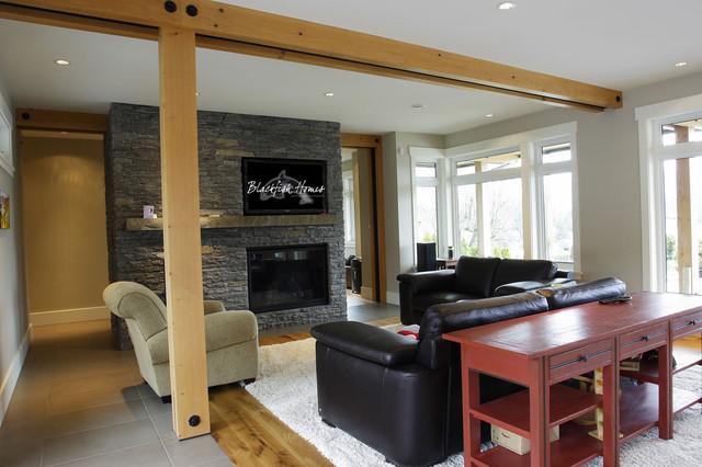 Roslyn traditional-living-room