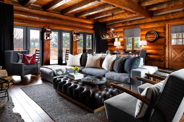 Rosseau log cabin living room in montagna soggiorno for Soggiorno montagna