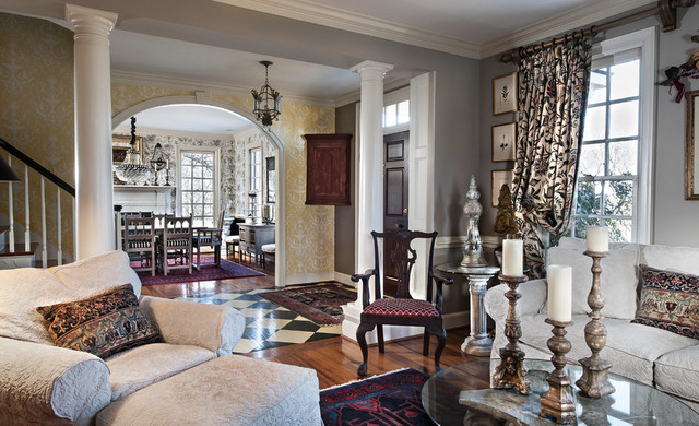 Round hill eclectic colonial traditional living room for Traditional eclectic living rooms