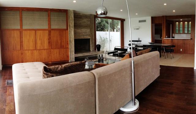 Royal Ridge midcentury-living-room