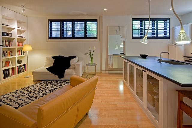 Royal York Apartment Contemporary Living Room
