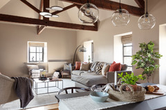 Houzz Tour: A Converted Barn Gets a Cool Industrial Update