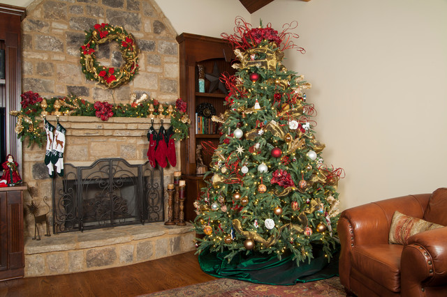 Rustic christmas tree traditional living room for Traditional christmas decorating ideas