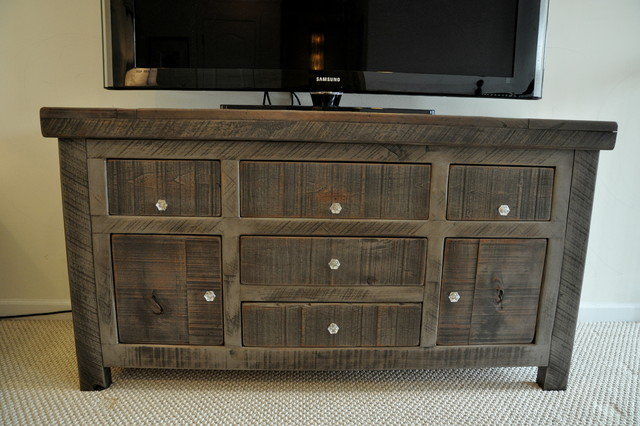 Ordinaire Rustic Entertainment Console  Rustic Slate Gray Rustic Living Room