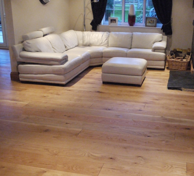Rustic Solid Oak Flooring Traditional Living Room