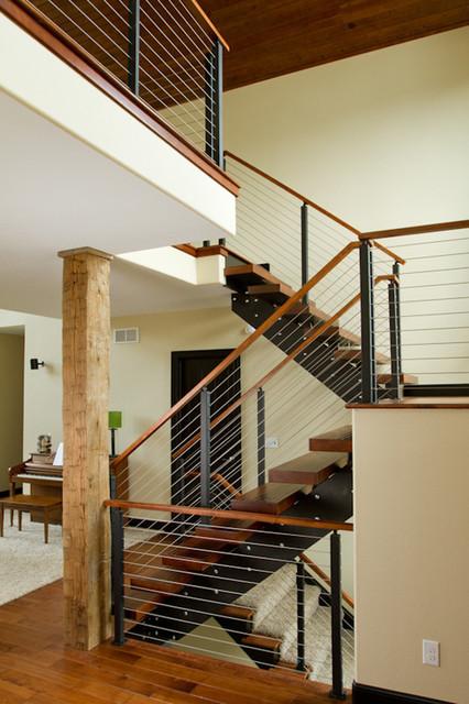 Modern Guard House Design: RZR Vision Cable Railing System (Modern Loft)
